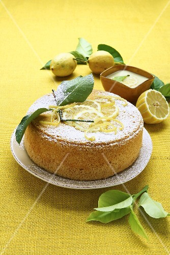 Torta sabbiosa (Sand cake with lemon cream, Italy)