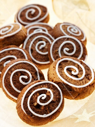 Silesian 'pepper nut' biscuits decorated with icing sugar