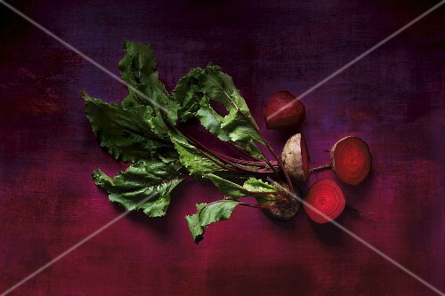 Beetroots with leaves