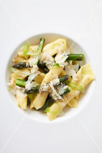 Garganelli with green asparagus and Parmesan cheese