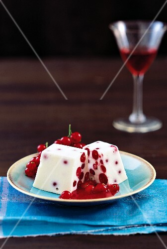 Parfait with redcurrants
