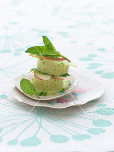 Cucumber sorbet with apple and mint