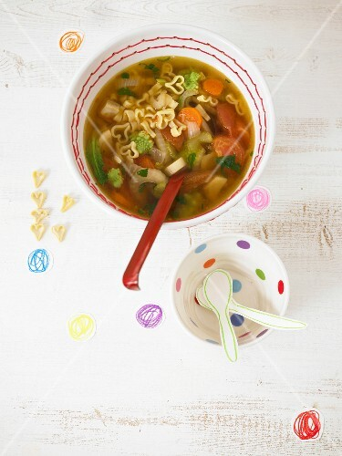 Noodle soup with vegetables