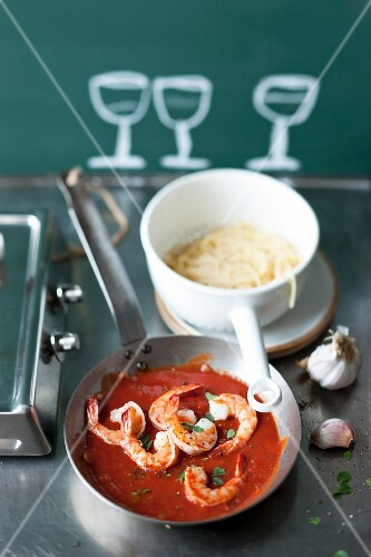 Tomato and prawn sauce with spaghetti