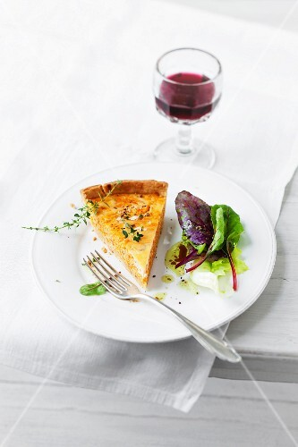 Pumpkin quiche with cheese