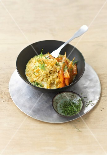 Saffron risotto with oranges and glazed carrots