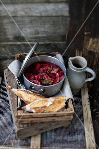 Beetroot stew with duck and bread