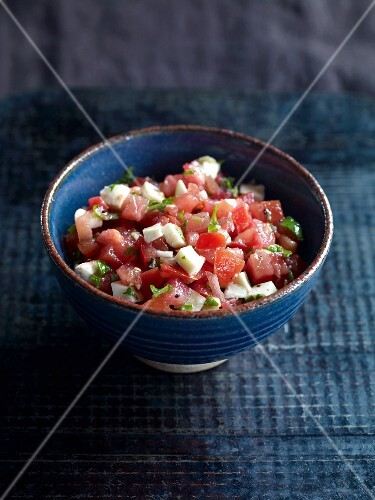 Tomato salsa with mozzarella