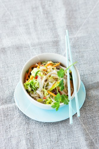 Rice noodles with Chinese cabbage and carrots (Asia)