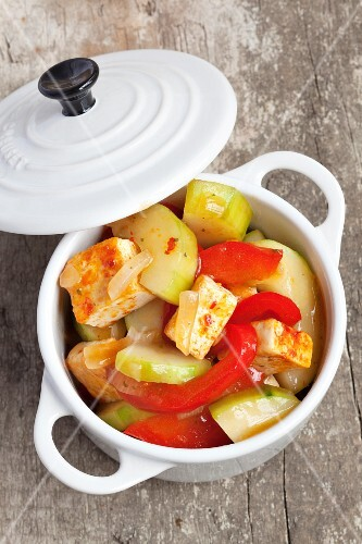 Tofu with cucumber (sweet and sour)