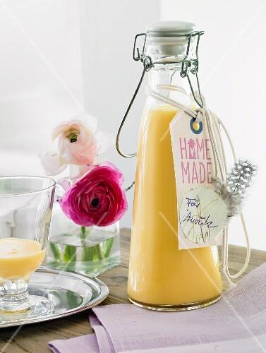 Selbstgemachter eierlik r in b gelflasche zum verschenken - Bilder verschenken ...