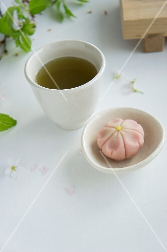 Mochi (Japanese rice cake) and green tea