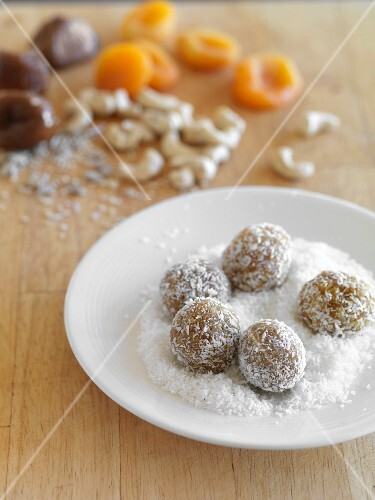 Fruit truffle balls with dessicated coconut (for diabetics)