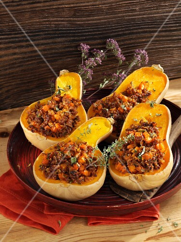 Butternut squash filled with carrots and minced meat