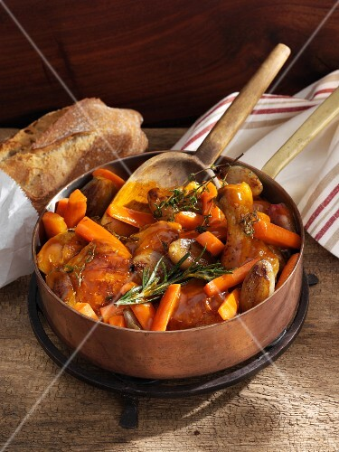 Braised chicken with carrots and shallots