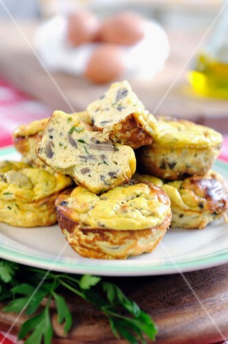 Button mushroom mini pastry-free quiches
