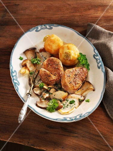 Veal steak with porcini mushrooms and glazed turnips