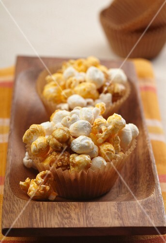 Caramel and cheese popcorn cups