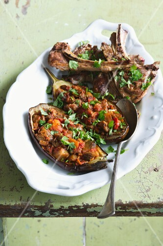 Grilled aubergines with lamb chops
