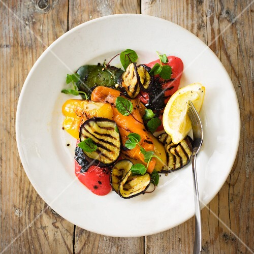 Pepper salad with grilled vegetables