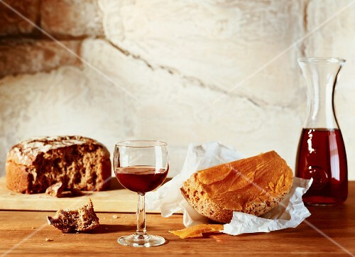 Red wine, cheese and bread