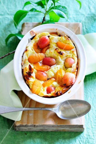 Summer bake with gooseberries and apricots