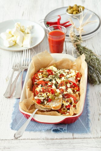 Turkey breast with tomatoes, feta, chilli peppers and olives