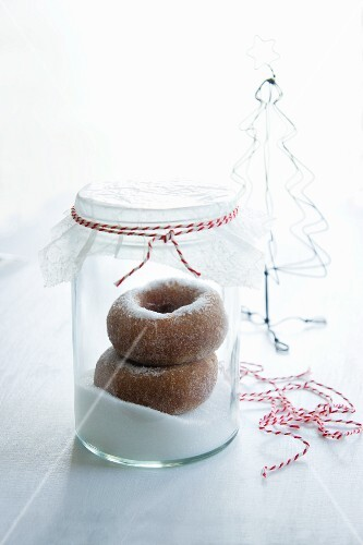 Mini cinnamon doughnuts with cardamom (Christmassy)
