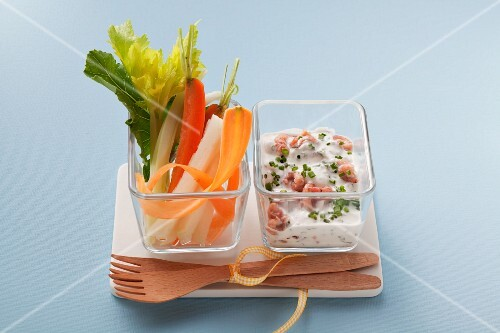 Vegetable sticks with prawn yogurt