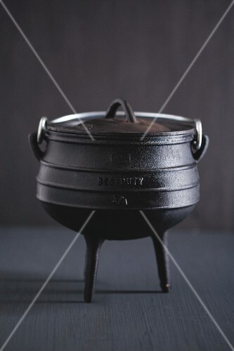 Potjiekos (three-legged cast iron cooking pot)