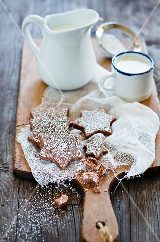 Chocolate star-shaped biscuits