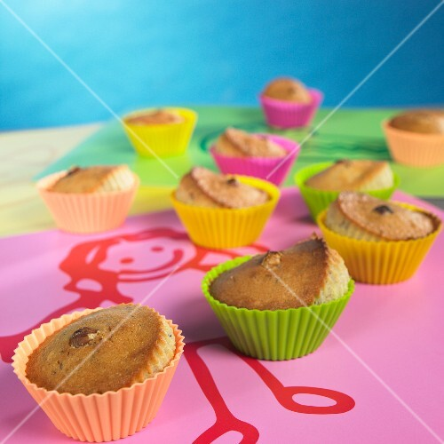 Nut tartlets in colourful paper cases