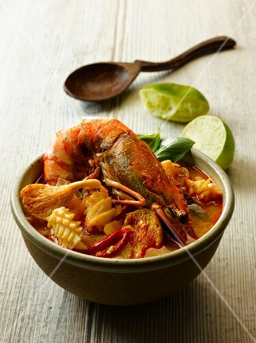 Tom yam talay (fiery seafood soup, Thailand)