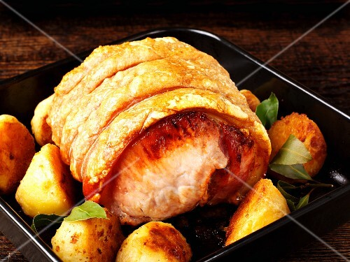Roast pork with roast potatoes