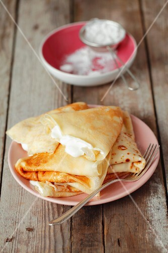 Crepes with vanilla quark