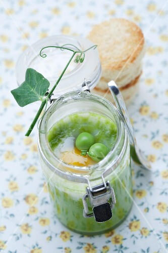 Pea purée with a quail's egg in a jar