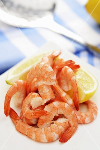 Prawn salad with lemon