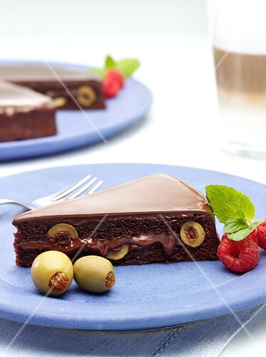 Chocolate tart with green olives