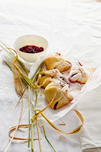 Pastry parcels with berries