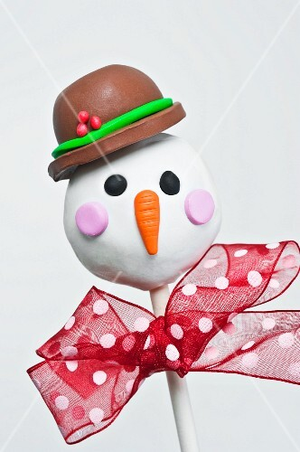 Christmas cake pop of a snowman
