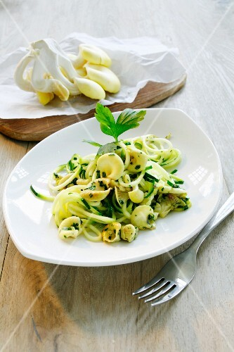 Courgette spaghetti with golden oyster mushrooms