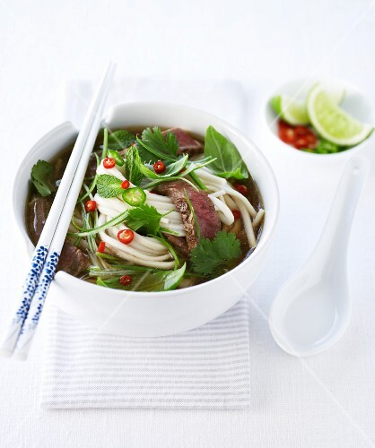 Rice noodle soup with beef and chillies (Asia)