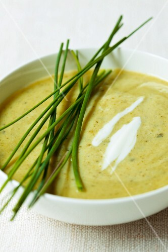 Cream of courgette soup with chives