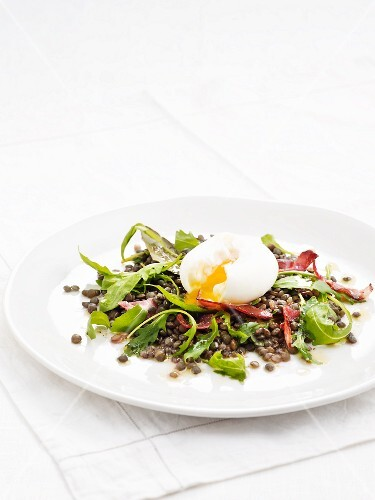 Lentil salad with bacon and a soft boiled egg