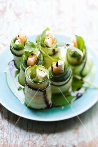 Courgette rolls filled with melon and feta