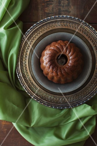 Guinness and ginger cake (spiced cake with Guinness, Ireland)