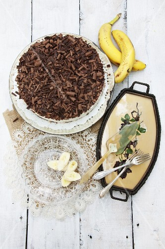 Banana and chocolate cake with low-fat quark