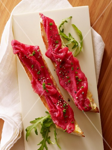 Beef carpaccio with lemon butter