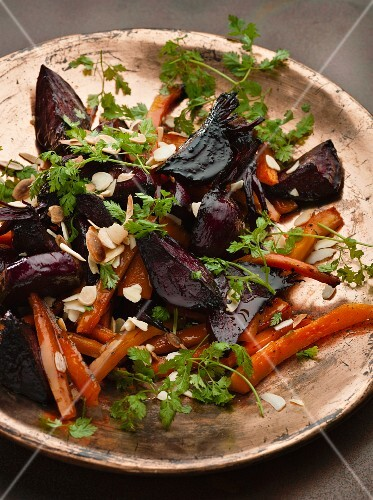 Beetroot salad with carrots and chervil