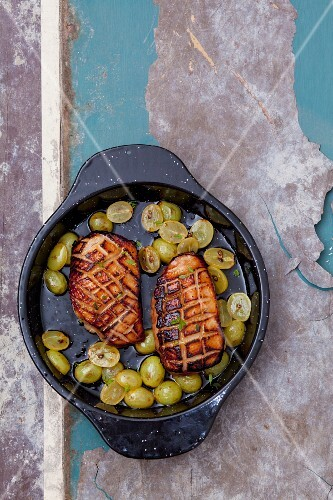 Grilled duck breast with grapes